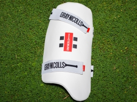 Gray Nicolls thigh guard
